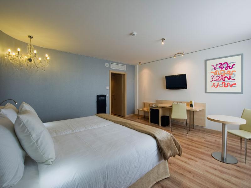Berlin hotell ABBA enkelrum(25-28sep)