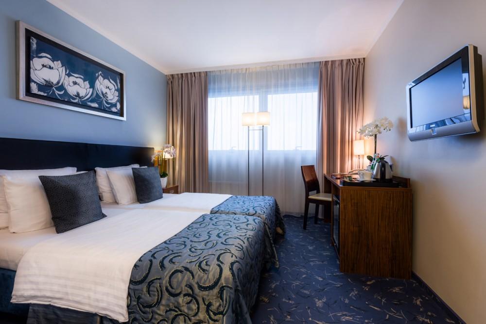 Hotel Avalon dubbelrum(5-12 juli)